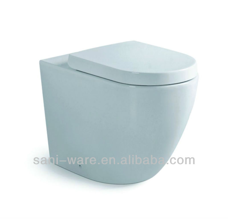 Ceramic floor mounted toilet with P-trap 180mm S7564
