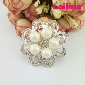 crystal silver metal pearl flower bouquet rhinestone round brooch for wedding invitation, flower garment accessories brooch