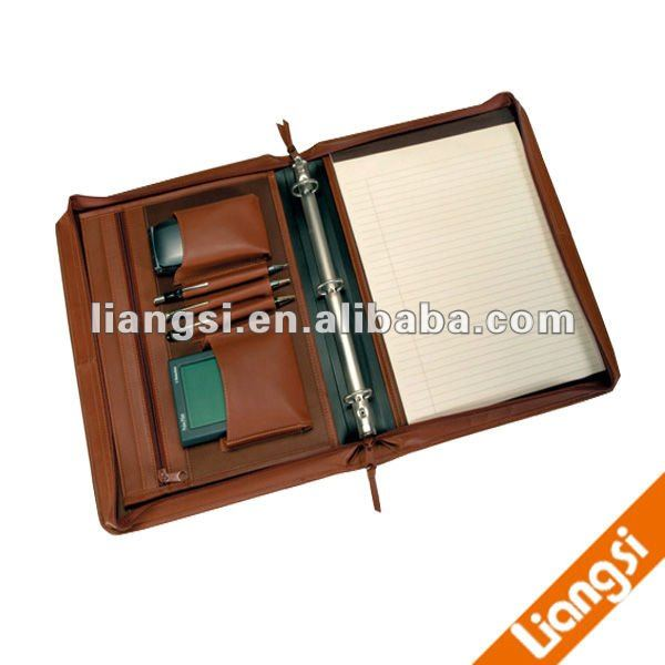 Leather organiser with zipper