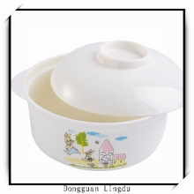 non-toxic plastic salad bowl with lid
