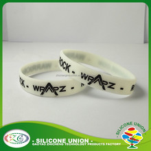 High quality for children's charm custom glow in the dark silicone wristbands rubber bracelet bangle