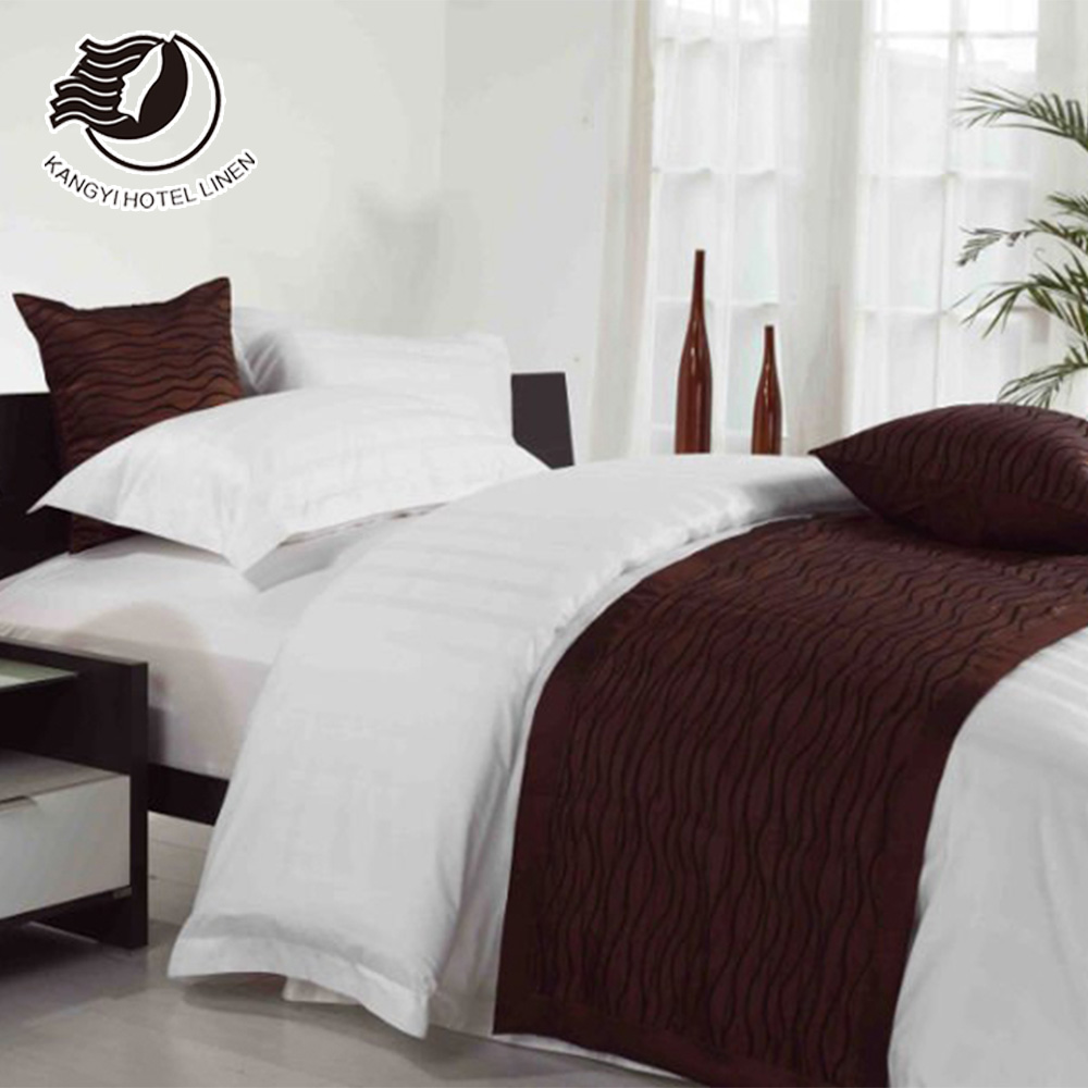 Factory Price 20% Polyester 80% Cotton Plain 300TC Full / Queen / King / Twin Size Bed Sheet Bedding Set