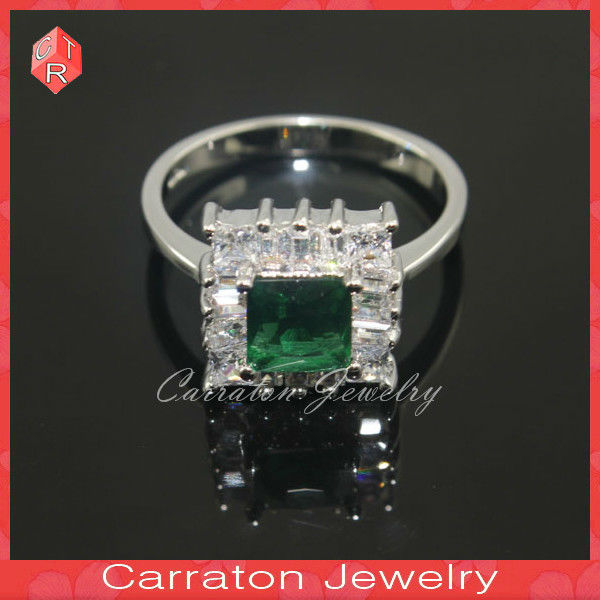 Lady's Elegant Green Square Stone Rings 925 Sterling Silver Rhodium Plated