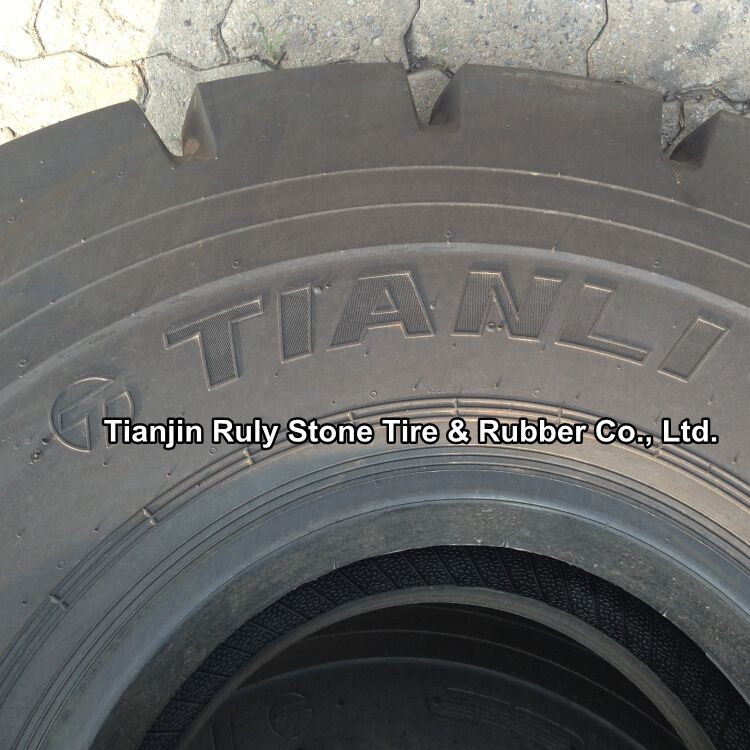 truck tire 29.5-29 DIRT N ROCK for loaders and scrapers