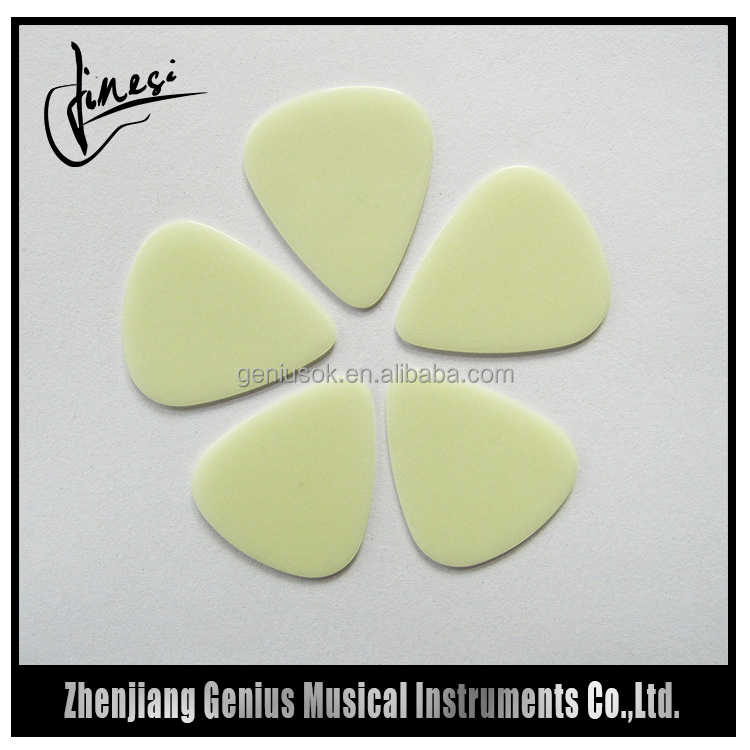 Manufacturer in China Standard Sharp Guitar Pick Case