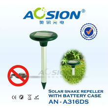 Classic battery door solar sonic and vibration snake chaser AN-A316DS