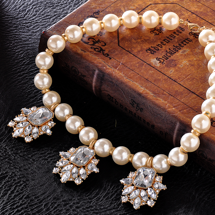 Boutique Trendy Fashion bead necklace For Women