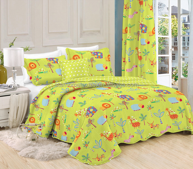 Colorful giraffe design bedspread cotton quilted bedspread