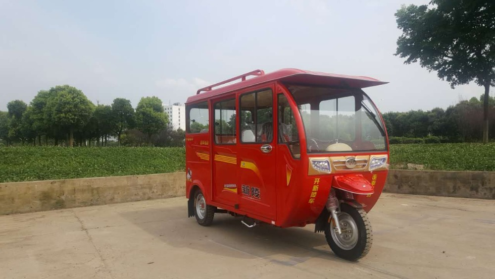 Factory Direct Sell bajaj enclosed 3 wheel moto taxi