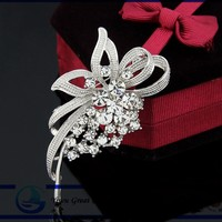 Fashion appearance of silver plated rhinestone clear crystal bow the bride bouquet that artificial diamond and pearl brooches