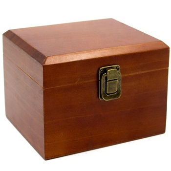 Hinged lid pine wooden box with clasp