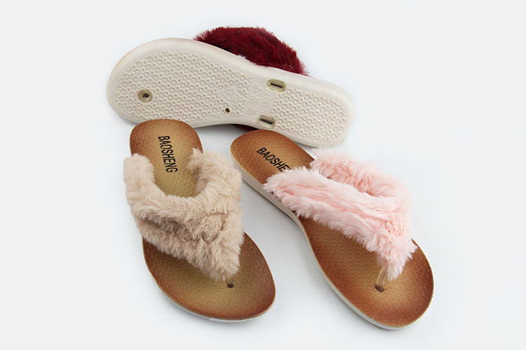 2019 Chinese Factory Doukes New Design Small Order  Fashion Comfortable Warm Fur Inside And Outside Women Plush Slippers