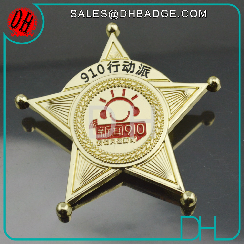 Hot Sale Factory Price Red Star Lapel Pin