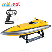 Hot selling kids 2.4G plastic radio control boat toy with recharger