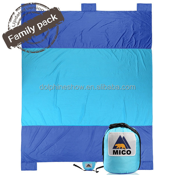 Lightweight waterproof picnic blanket sandless beach mat Custom LOGO compact nylon parachute beach blanket sand proof