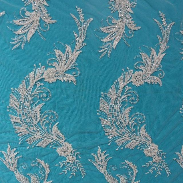 2017 new design embroidery modren luxury wedding dress styles lace fabric