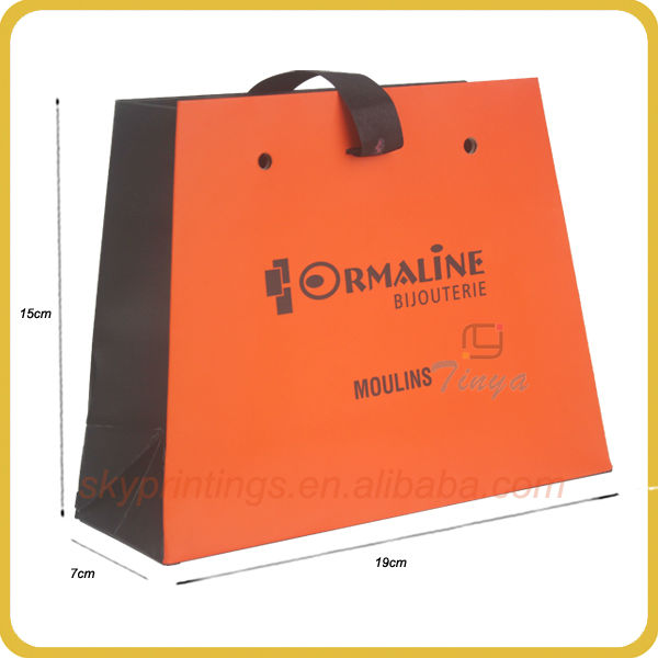 2013 newly design customized t shirt paper shopping packaging bag