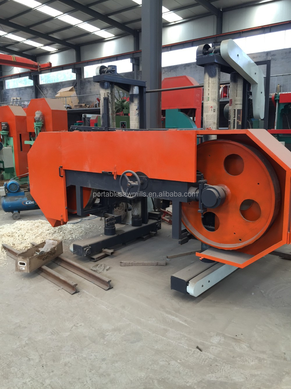 Horizontal type electrical Heavy duty large band saw for big tree cutting machine