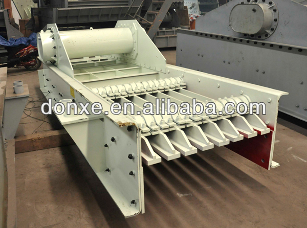 vibration pan feeder/electromechanical vibrating feeder