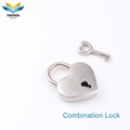 designer heart shaped small magnetic bag lock with key