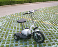 Three wheel electric mobility scooter Electric stand up scooter three wheel electric standing scooter also with seat