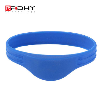 HYWGJ10 Newest Design Bracelet Custom Color Silicone Wristbands NTAG213 Re wearable RFID Wristbands