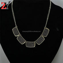 New product trendy style crystal bead necklace with different colors