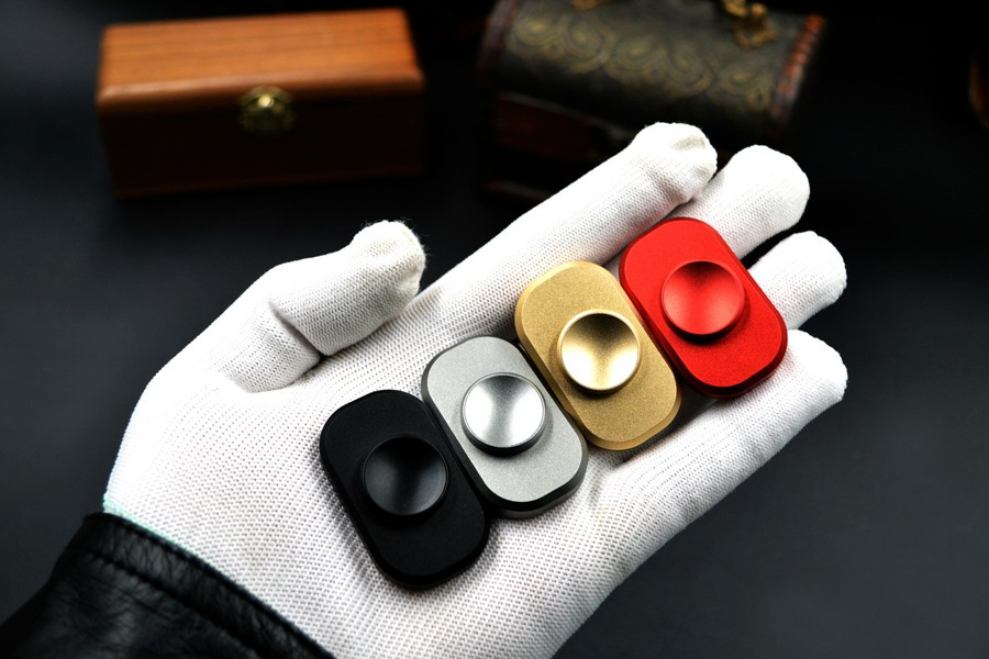 in stokcs mini Hand Spinner pocket Decompression artifact Aluminium alloy finger tip finger screw gyroscope Fidget spinner