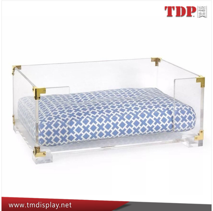 Wholesale Clear Rectangle Lucite Acrylic crown novelty pet dog beds with Brass Corners