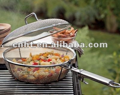 Barbecue Basket With Removable Handle
