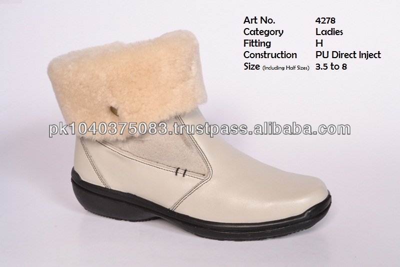 Ladies half long winter shoes