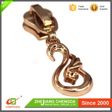 CHENGDA 2017 Fashion Customized Size Reversible Zipper Slider And Puller