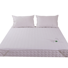 Wholesale thinner quilted waterproof mattress pad, factory price