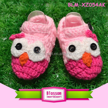 Hot sales pink handmade wholesale hand crochet baby shoes