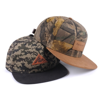 Fashion leather label camo hat and cap/camouflage flat brim hats/camo hat