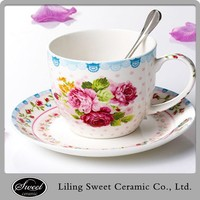 Model flower design tea cup and saucer