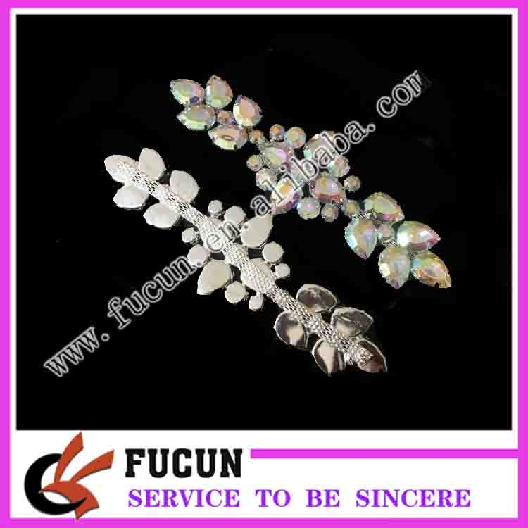 2017 shinny new design large acrylic AB color brooch in silver