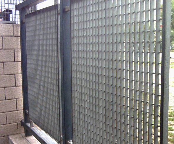 hot dipped galvanized steel grating fencing