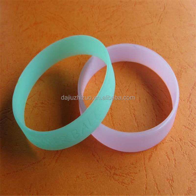 Cheap Price Festival Promotional cool men's silicone bracelet