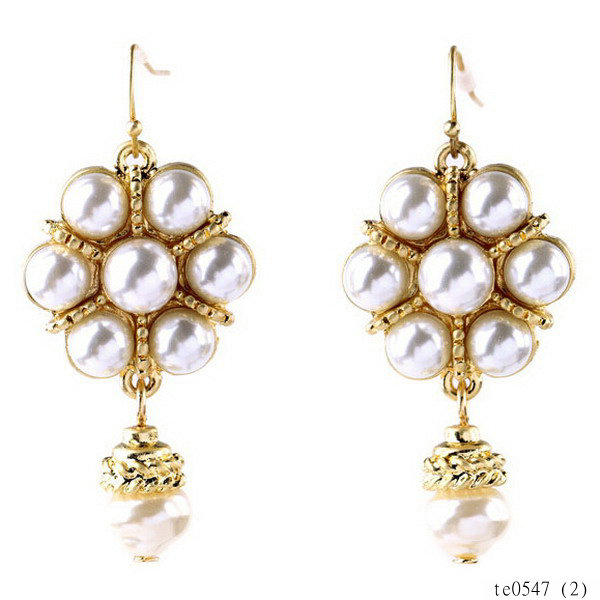 Fashion costumes semi-precious pearl wedding branded earring led