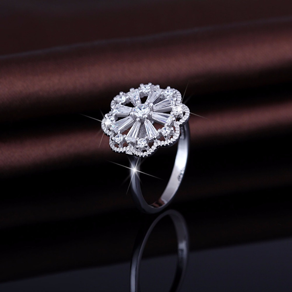 Wholesale Big Flower Shaped White Gold Bling Bling Finger Ring Design In Silver