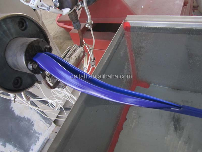 Floor wiper plastic strips making machine