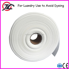 Jumbo Roll Disposable Nonwoven Fabric Avoid Dye Catch Color For Laundry Use