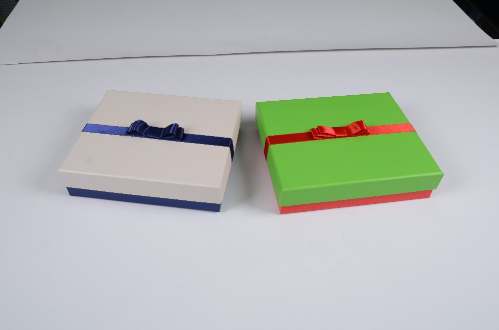color custom paper gift top & bottom box for holiday wholesale top&bottom box with multi-color ribbon