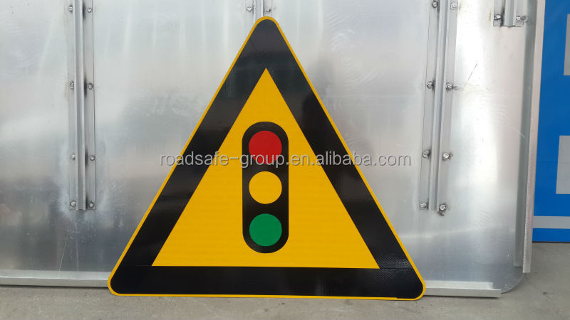 Aluminum Material Solar Powered Outdoor LED Road Traffic Signs
