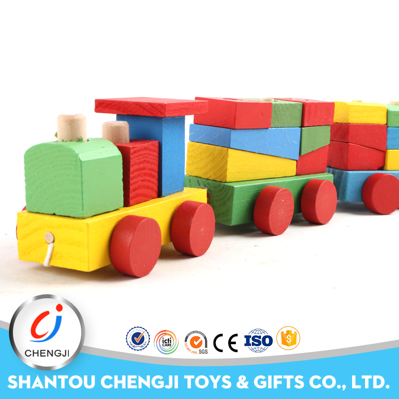 2016 New hot sale kids toy educational blocks popular baby wooden train set