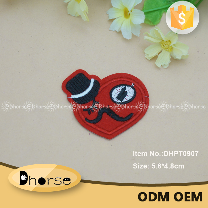 Lovely shape fancy red heart shape embroidery patch for men clothing