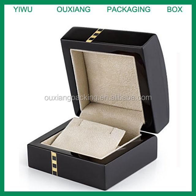 Piano black glossy lacquer finish custom wooden earring box