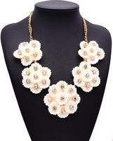 European and American big soft white pottery small diamond flower necklace short necklace
