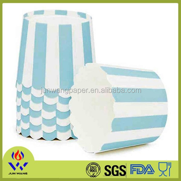 Sky blue stripe printing round paper muffin cup for sale